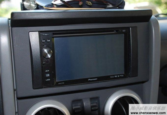 新速腾专车专用导航_Jeep牧马人加装改装先锋AVIC-F7100DVD导航一体机机_先锋pioneer_改装实例_