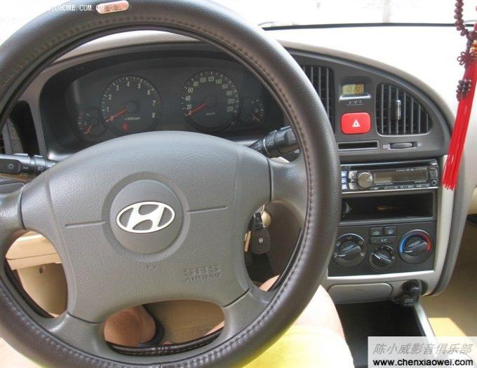 现代伊兰特原位改装 车载cd机 阿尔派cde 12高清图片