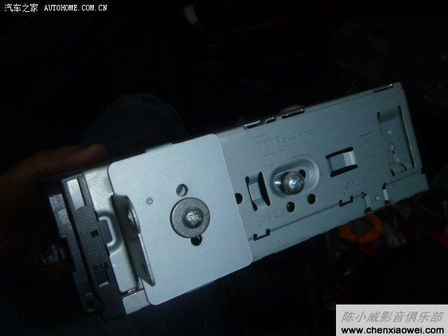 雪佛兰乐驰CD机音响改装阿尔派CDE 110C一组输出可接低音炮高清图片