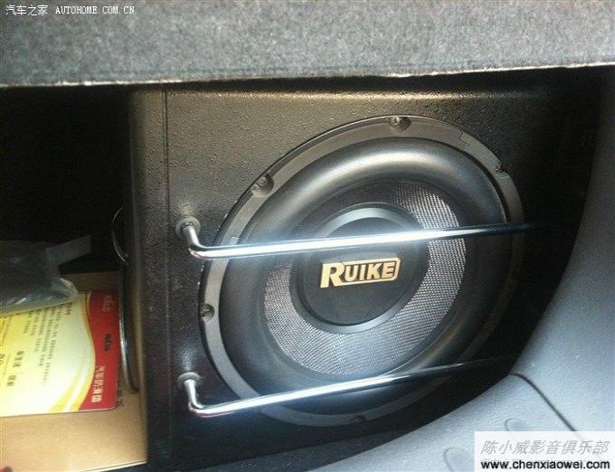 新奥拓音响升级改装阿尔派cde 123e cd机 歌乐功放 低音炮 高清图片